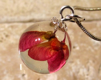 Maple seed sphere necklace, Maple pendant, Leaf jewelry, Plant jewellery, woodland, nature, red, silver plated chain