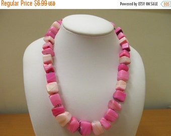 On Sale Vintage Hot Pink and White Agate Beaded Necklace Item K # 2320