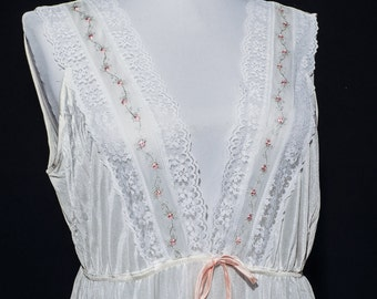 Vintage nightgown and robe set -- by Dreamaway