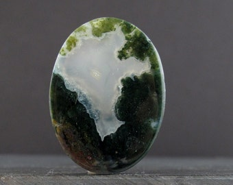 Excellent moss agate cabochon, nice inclusion , Jewelry making supplies B6325