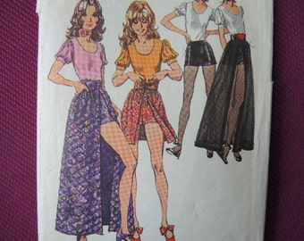 vintage 1970s Simplicity sewing pattern 9721 misses skirt in two lengths blouse and short shorts size 12