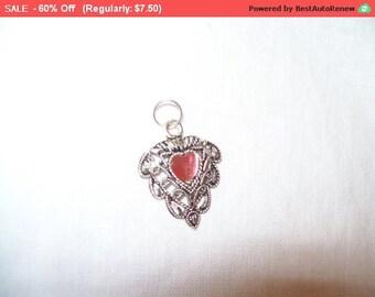 SALE 60% Off Vintage India silvertone heart pendant