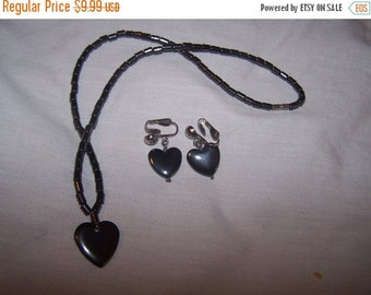 50% OFF Vintage Heart necklace and clip earrings set