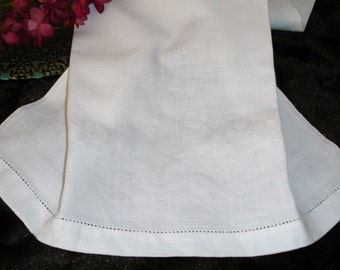 """Damask Huck Towel, Kitchen Towel, White Huck Towel, 1940s decor, Guest towel, Vintage guest towel, 31x15.5"""", Vintage decor"""
