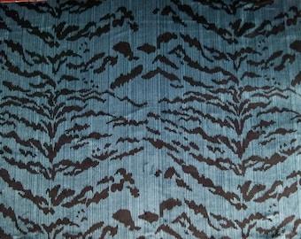 DESIGNER ITALIAN TIGRE Tiger Silk Velvet Fabric 5 Yards Indigo Blue Onyx Black