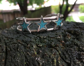 Silver and turquoise chip 3 star bracelet
