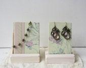 Paire de boucle d'oreille Bracelet affiche - papillon Pastel romantique d'été Display - recyclé livre Vintage présentoir à bijoux - prêt à expédier