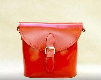 Vintage Style Genuine Leather Crossbody Messenge Bag - Red