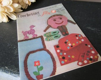 Vintage Lily Design Book No. 202  Crocheting  Crochet  1961  60's Various Projects