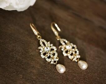 Vintage Inspired Gold Bridal Earrings, Wedding Jewelry, Swarovski Crystal Earrings, Chandelier Earrings, Wedding Earrings, Wedding Accessory