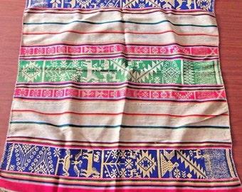 Ethnic Andean Peruvian tribal boho woven fabric manta textile upholstery Cuzco QQ10