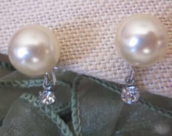 Vintage 1950's Marvella Pearl and Rhinestone Screw Back Earrings in Silver Setting, Designer Marvella Earrings, Wedding, Bridal, Bridesmaid