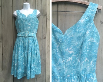 Vintage dress | 1950s Jerry Gilden cotton sundress blue floral print sweetheart neckline sleeveless midcentury day dress