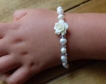 Freshwater pearl baby bracelet,girl gift,newborn bracelet, baby girl, baby gift,girl baby christening gift,flower girl bracelet