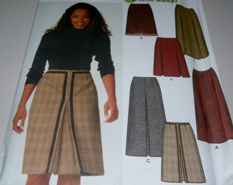 Simplicity 9823 8 to 14 Skirt Patterns, Uncut