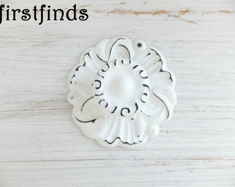 4 Shabby Chic White Knobs Round Backplate Drawer Hardware Painted Furniture Cabinet Door Pull Cottage Cupboard Distressed ITEM DETAILS BELOW