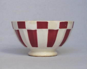Vintage French Cafe au lait Bowl, with lovely pattern and appealing aged feel