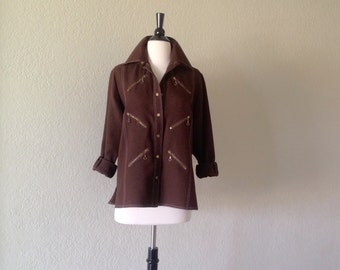 Womens blouse / 70s Brown shirt snap front with top stitching / Retro blouse has zipper pockets / women's long sleeve shirt