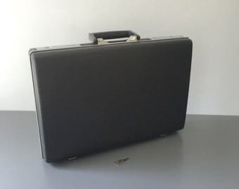 vintage black Samsonite briefcase with working key Courier hardshell retro luggage