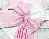 Swaddle blanket with bow and gown set, Newborn swaddle blanket and gown set, newborn girl gown and bow blanket set, Monogrammed bow sash set