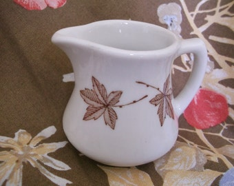 Walker China Restaurant Creamer with Leaves