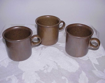 3 Eslau Design Tue Mugs