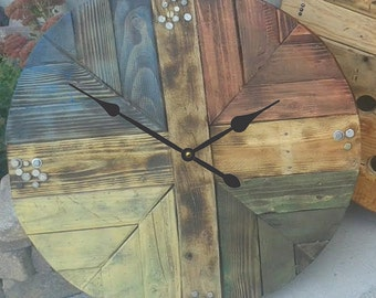 The BEST Wood Pallet Clock (3) in 5 sizes