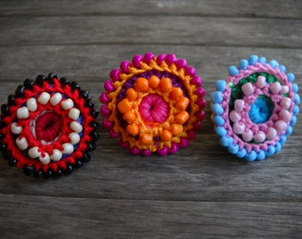 crocheted ring Corolla, 3 colors
