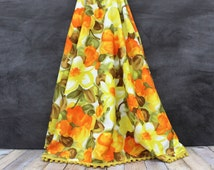 1960s Round Tablecloth - Vintage Tablecloth - Orange Floral Tablecloth - Yellow Floral Tablecloth - Ball Fringe - Fall Tablecloth - Patio