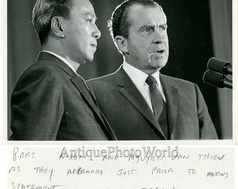 Nguyen Van Thieu & Richard Nixon vintage photo