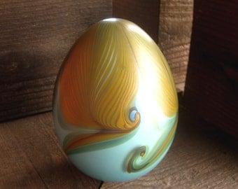 Large Vandermark Art Glass Egg Paperweight, Pulled Feather Design, Circa 1979, Handblown Glass