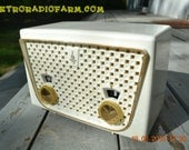 BLUETOOTH MP3 READY - Rococo White Retro Vintage 1957 Emerson 850 AM Tube Radio Totally Restored!