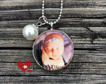 Beautiful Jewelry Grade Photo Necklace Keepsake