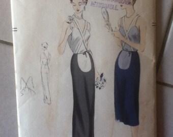 """Vogue Vintage Maternity Skirt Pattern 7187 Size: Hip 35"""""""