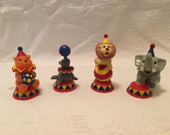 Cake Decorating Plastic Figurines : Items similar to Vintage lot of 3 Wilton bunny rabbit ...