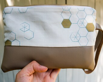 Leather Wristlet, Linen, Honeycomb, Gray, Gold