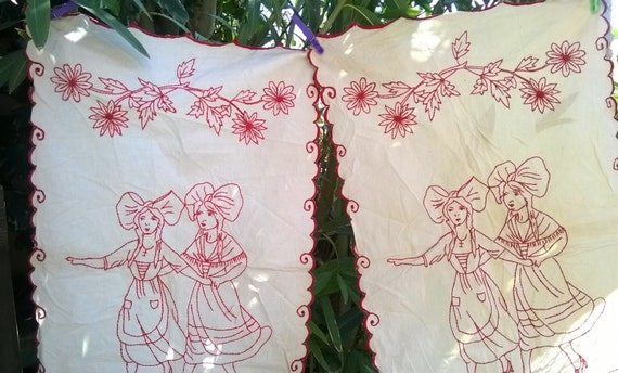 2 Red Hand Embroidered Curtains French Country Kitchen Panels Off White Cotton Home Decor Folk Alsace Villagers #sophieladydeparis