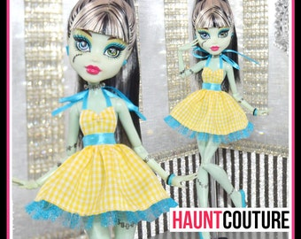 "Monster Doll Haunt Couture: ""Ghoul for the Summer"" high fashion dress clothes"