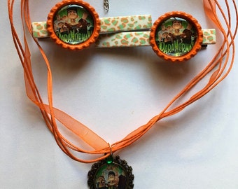 Paranorman inspired necklace and hairclips.
