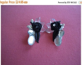 50% OFF VERY CHIC Diamond and Black Flower Clip On Earrings