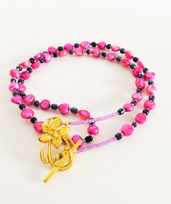 CULTURED FRESHWATER PEARL Necklace Raspberry + Navy Blue