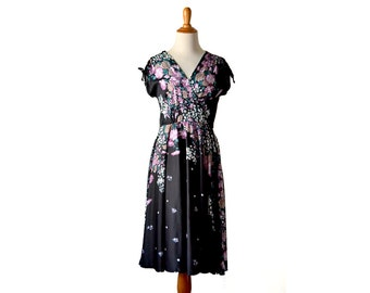 Floral print dress, Boho Dress Border Print Dress Bohemian Dress 1970s Dress 70s Dress, XS Small Dress, Vintage Clothing Dress Vintage Dress