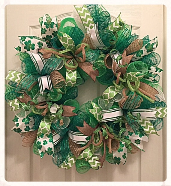 st patrick 39 s day deco mesh wreath shamrock wreath green. Black Bedroom Furniture Sets. Home Design Ideas