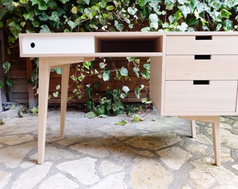 Scandinavian desk in oak with 3 drawers