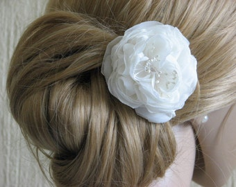 Ivory hair flower Ivory hair peony Wedding hair flower Ivory wedding headpiece Silk hair flower Ivory peony Bridal hair flower Bridal peony