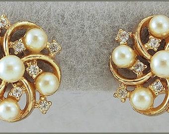 Vintage Gold Tone Faux Pearl Rhinestone Clip On Earrings Signed Trifari