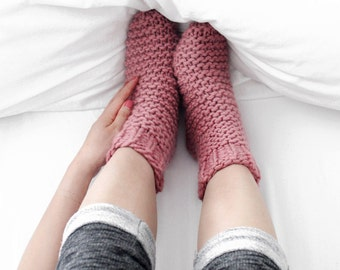Easy Slumber Socks Knitting Kit, Learn to Knit DIY Set, Cozy Bed Socks, Level Easy+