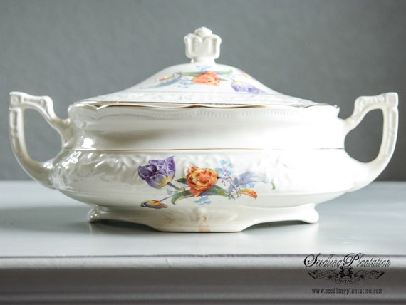 Vintage Covered Serving Bowl-Lidded Bowl, White, Gold, Vegetable Dish, Casserole Dish, English, French Country,Porcelain, Ironstone