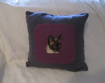 Wool pillow with Needlepoint cat