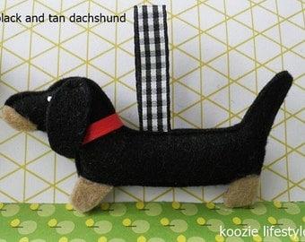keychain dachshund 'black & tan'